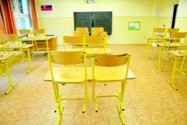 Triedy môžu ostať v novembri opäť bez žiakov.