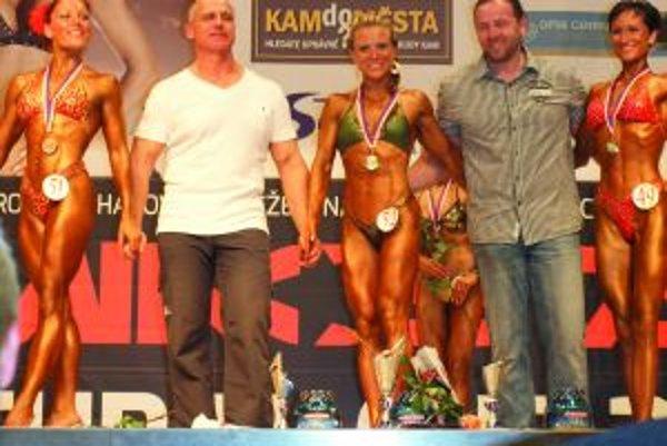 Katarína Tomášová (v strede) uspela aj na pretekoch v Znojme.