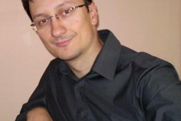 Jozef Karika je autorom viacerých úspešných kníh.
