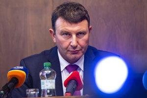 František Imrecze počas zasadnutia výboru pre financie a rozpočet.