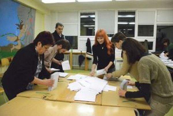 Voliči rozhodli, že najviac mandátov bude mať v krajskom parlamenre Smer.