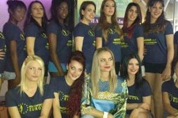 Linda Pavlova (v strede dole) bude hodnotiť krásne Missky.