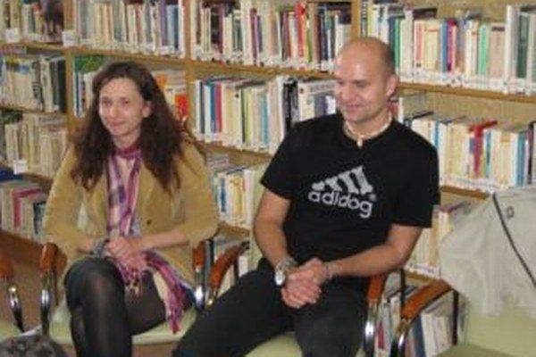 Pavel Hirax Baričák na besede v knižnici v Trebišove.