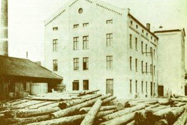 Pôvodná budova stoličkovej. V 40. rokoch ju zbúrali a postavili novú, súčasnú.