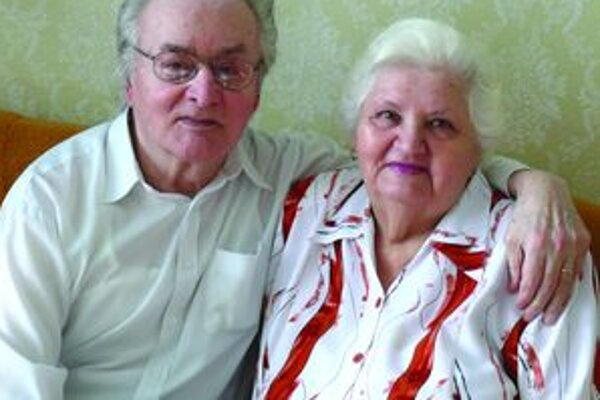 Rôčky pribúdajú. Manželia Melišovci po päťdesiatich rokoch manželstva.
