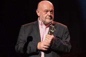 Peter Lipa si pred pár dňami preberal Cenu Soza za najpredávanejší album.