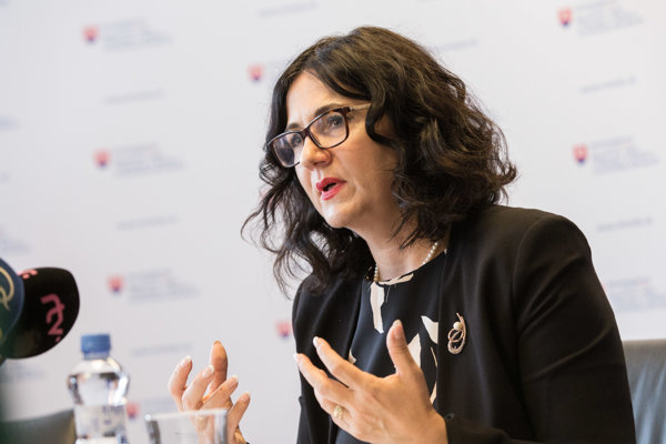 Ministerka školstva, vedy, výskumu a športu SR Martina Lubyová .