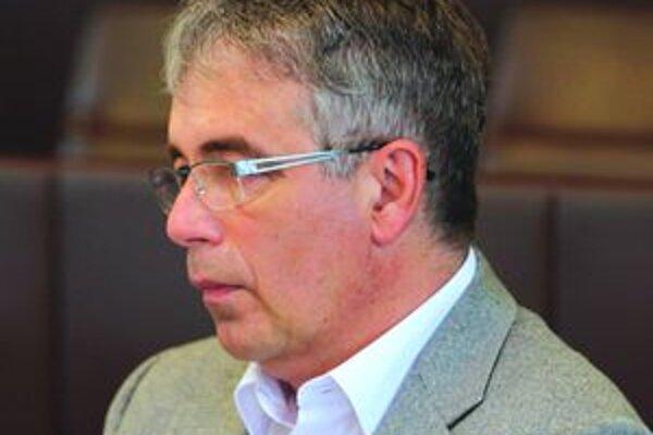 M. Fedor, lekár a poslanec, ktorý inicioval sformovanie komisie pre prevenciu alkoholizmu detí a mládeže.
