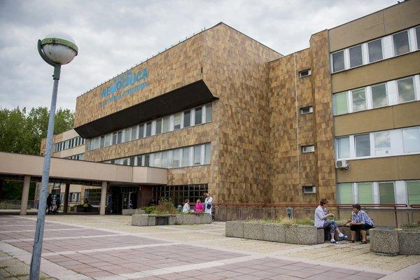 Bratislavské mestské zastupiteľstvo súhlasí s prenájmom plôch pre Nemocnicu sv. Cyrila a Metoda na Antolskej ulici.