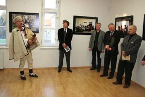 Tak prišli krajania.Výstava je sprístupnená v Matičnom dome do 25. apríla.