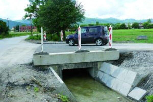 Popod mostík V Kláštore pod Znievom by mala pretiecť i storočná voda.