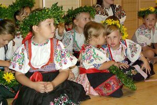 V Dohňanoch sa predstavili súbory zo Slovenska i Moravy.