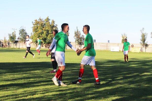 Tím FC Saliby porazil vedúcu Marcelovú 2:1.