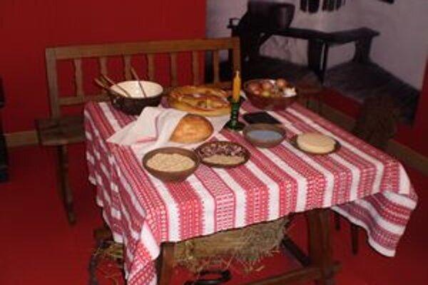 Ukážka stolovania v roľníckom dome.