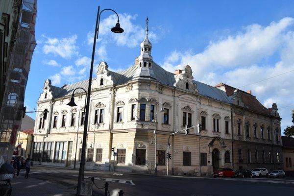 Budova Novohradskej knižnice