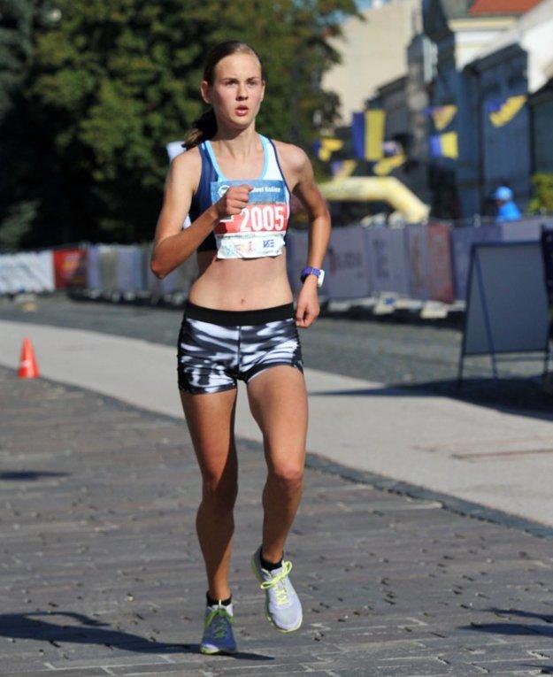 Študentka UMB v Banskej Bystrici prvýkrát zabehla polmaratón pod 1:20 h.
