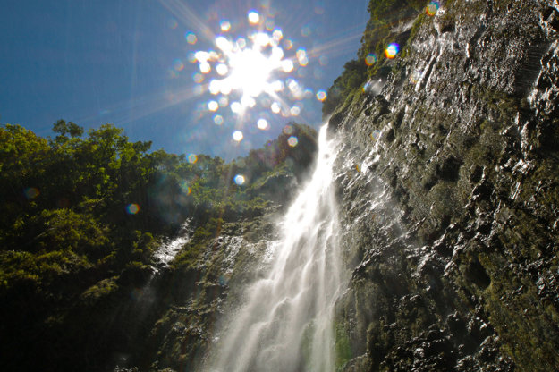 Vodopád Waimoku vysoký 122 metrov