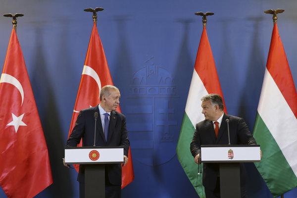 Turecký prezident Recep Tayyip Erdogan a maďarský premiér Viktor Orbán.