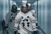 Ryan Gosling ako Neil Armstrong vo filme Prvý muž.
