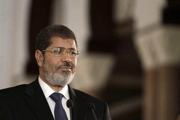 Tisíce ľudí sa v Istanbule modlili za zosnulého Muhammada Mursího