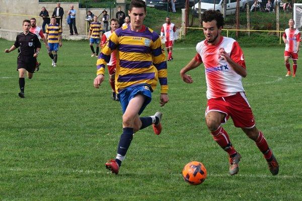 Žaškov (v bieločervených dresoch) vyhral v prebiehajúcej sezóne všetky domáce duely.