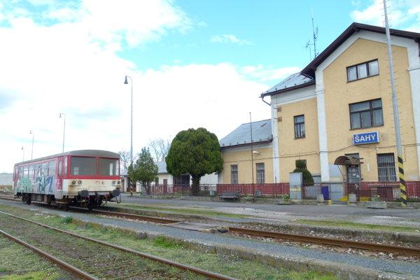 Od januára bude na Železničnej stanici v Šahách viac cestujúcich.