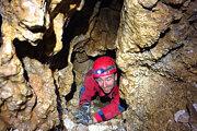 Znovuobjavená jaskyňa je vertikálna.