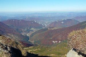 """Pekné jesenné počasie ponúka nádherné výhľady. Stačí """"len"""" vyšlapať na vrchol."""