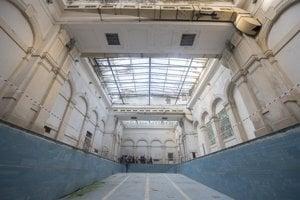 súčasný stav budovy bývalých kúpeľov Grössling