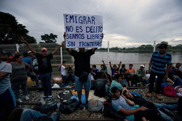 Migranti z Hondurasu dorazili k hraniciam s Mexikom