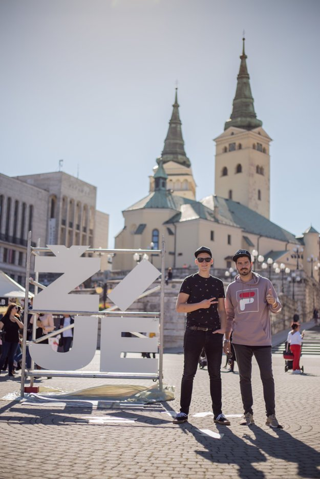Organizátori festivalu Žilina žije Lukáš Turiak a Michal Michalek. Do Žiliny pritiahli aj prvý streetfood festival, ktorý sa konal v septembri tohto roka.