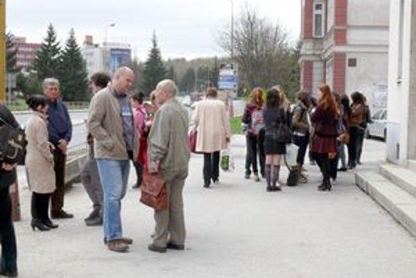 Prišli zástupcovia občianskych združení a rôznych organizácií.