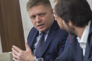 Predseda Smeru Robert Fico a exminister vnútra Robert Kaliňák.