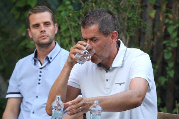 Martin Klus a Igor Kašper poukázali na podozrivé záležitosti okolo nájomných bytov na Severnej ulici.