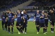 Futbalisti Interu Miláno sa radujú z víťazstva.