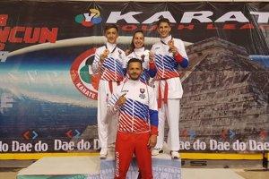 V reprezentačných teplákoch odchovanci šurianskeho karate.