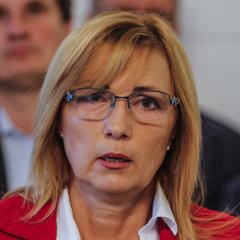Dana Čahojová.