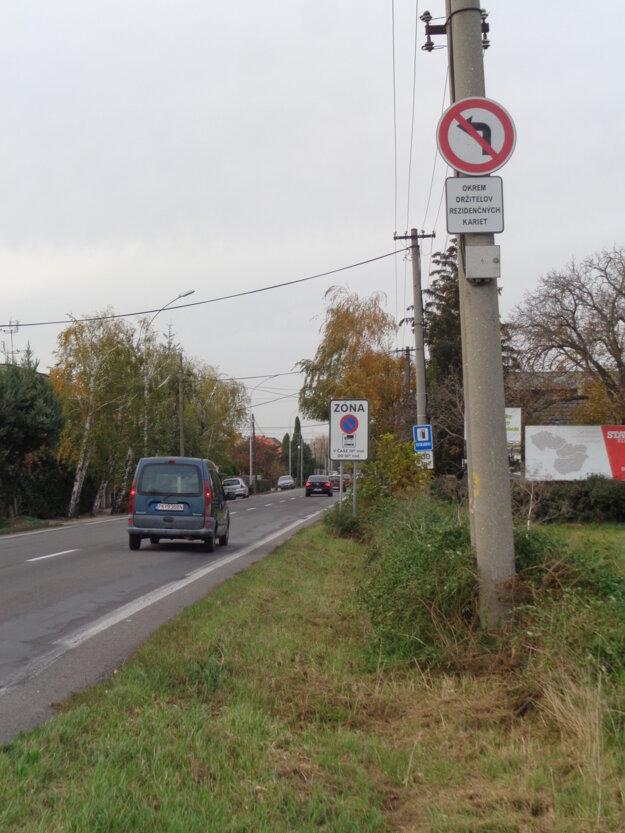 Previnilci argumentujú, že značka nie je v zornom poli vodiča.