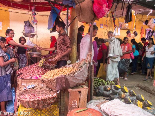 Tradičný trh na Srí Lanke.
