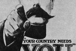 Tvoja krajina ťa potrebuje. Britský náborový plagát zobrazuje poľného maršala Herberta Kitchenera v roku 1914.
