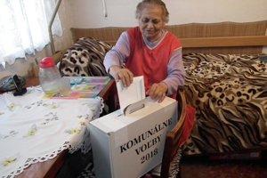 Mária Kubeková z Liesku má 78 rokov, doteraz volila v každých voľbách.