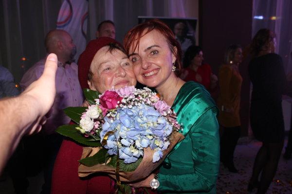 Katarína Macháčková s maminou.
