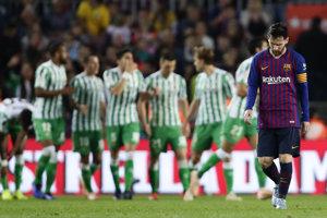Betis Sevilla oslavuje šokujúci triumf, sklamaný Lionel Messi svojmu tímu k bodom nepomohol.