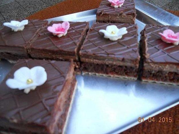 Čokoládový zákusok na oblátke