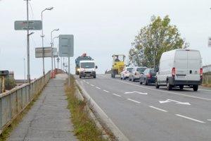Nákladnú dopravu nad 3,5 tony z levického nadjazdu vylúčia.