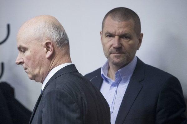 Exministri Janušek a Štefanov.