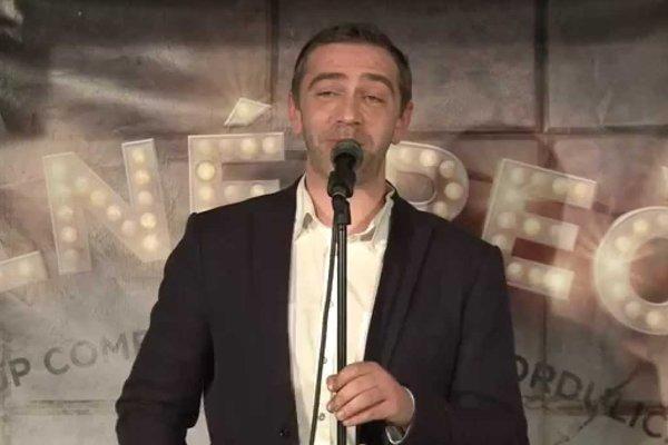 V Čiernom Orlovi v Prešove vystúpia komici Michael Szatmary (na snímke), Simona, Matej Makovický, Marián Psár Psárkazmy.