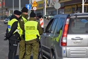 Najbližší mesiac sa vodiči na hraniciach s Poľskom stretnú s väčším množstvo policajtov.