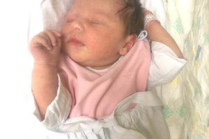 Dominika Beresová z Beladíc porodila 29. septembra partnerovi Miroslavovi Bahýlovi dcérku BIANKU Bahýlovú. Dieťatko po narodení meralo 50 cm a vážilo 3,65 kg. Bianku čaká doma 5-ročná Dominika.