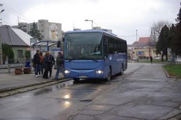 Autobusy do Iliavky chodia znova.